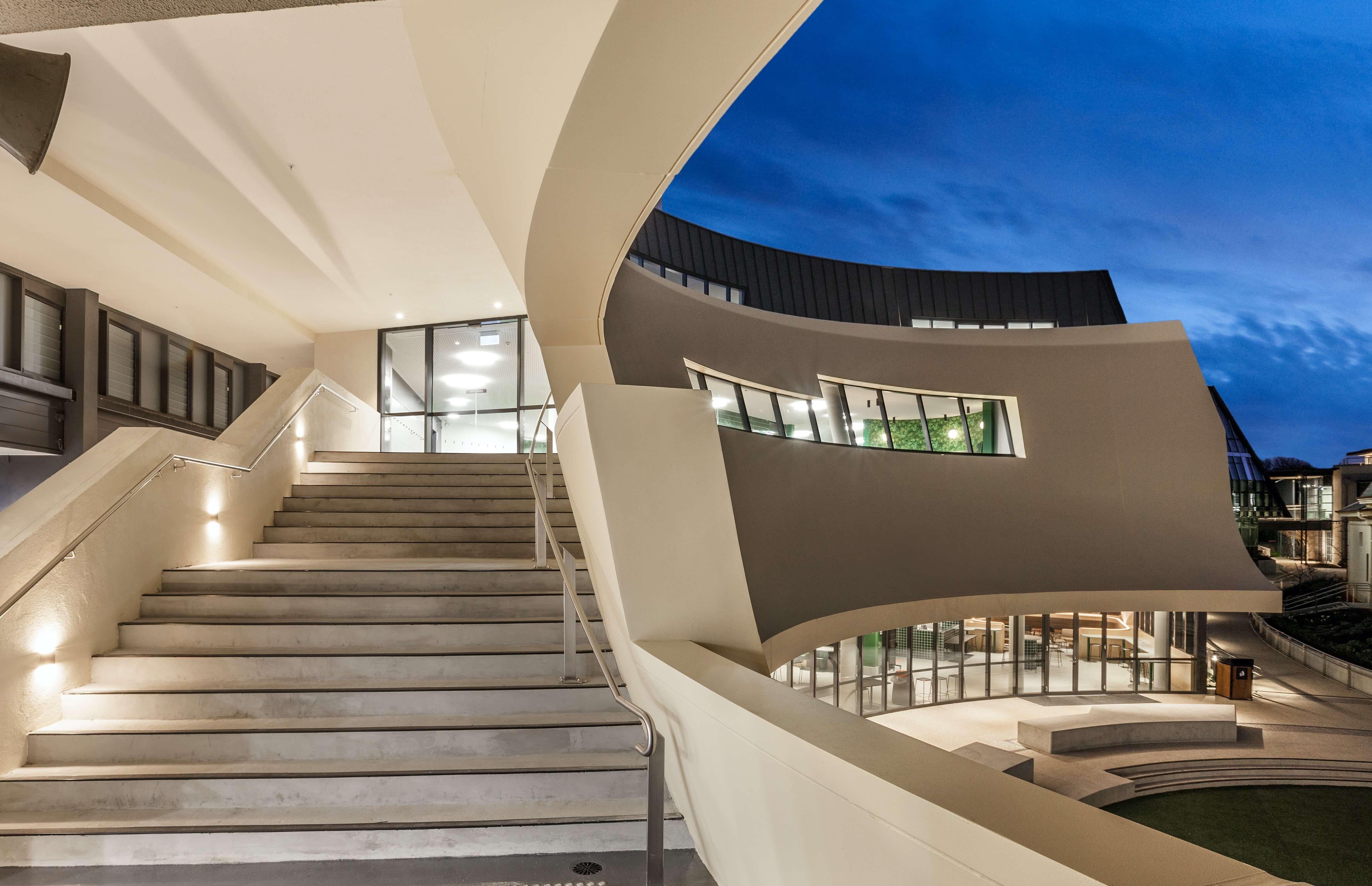 Asurco installation of glass-fibre reinforced concrete